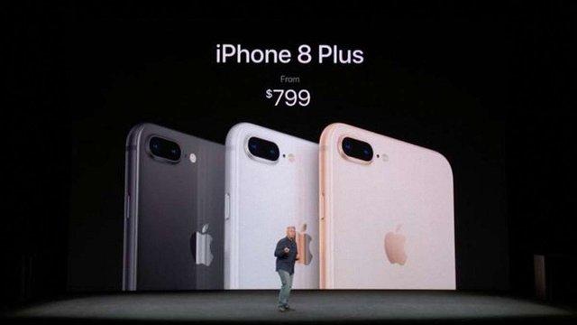 Apple розслідує скарги на нові iPhone 8 від користувачів із 6 країн