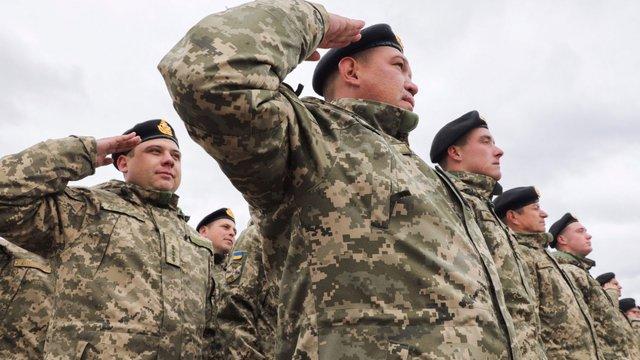 Порошенко наказав виплатити бійцям АТО святкові премії у жовтні