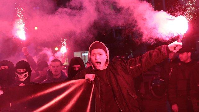На марш «Правого сектора» в центрі Львова вийшло близько сотні людей