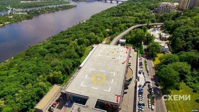 Праворадикали захопили «вертолітний майданчик Януковича» у Києві