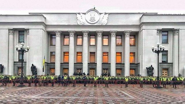 У Києві силовики перед акціями протесту оточили урядовий квартал