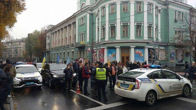В урядовому кварталі Києва почалися протестні акції