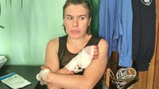 Росіянку, яка облила кислотою працівницю львівського РАЦСу, посадили майже на два роки