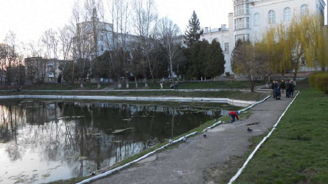 У львівському озері знайшли тіло 44-річного  лаборанта 8-ї лікарні