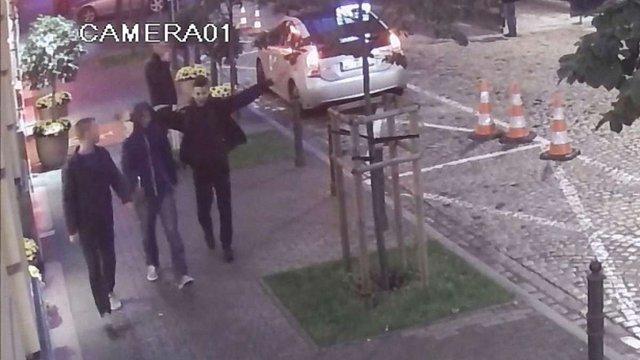 Поліція Варшави розшукує чоловіків, які з ножем напали на українця
