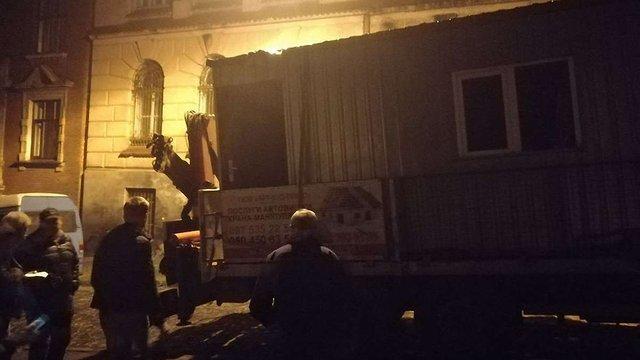 В ніч на суботу на скандальне будівництво у центрі Львова намагались завезти техніку