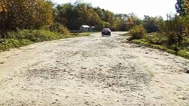 Міністр інфраструктури заявив про ремонт дороги до села, де народився Степан Бандера