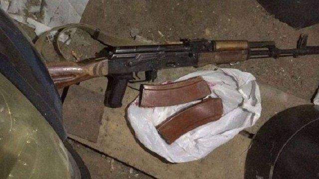 Солдат-контрактник викрав з військової частини на Львівщині зброю та набої