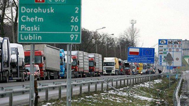 Польща посилила перевірку громадян і транспорту на КПП «Дорогуськ»