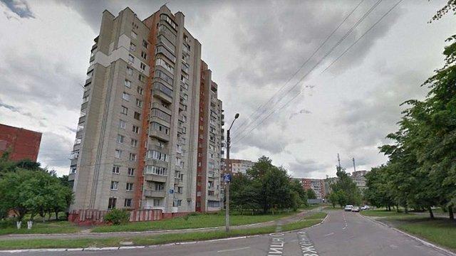 На Сихові 14-річна дівчинка викинулась з вікна 15 поверху