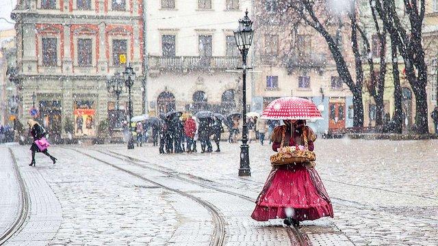 Синоптики попереджають про мокрий сніг та хуртовини на Львівщині