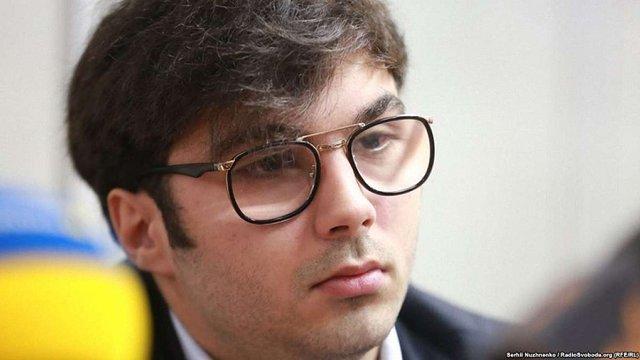 Суд повторно відпустив Шуфрича-молодшого на поруки батька