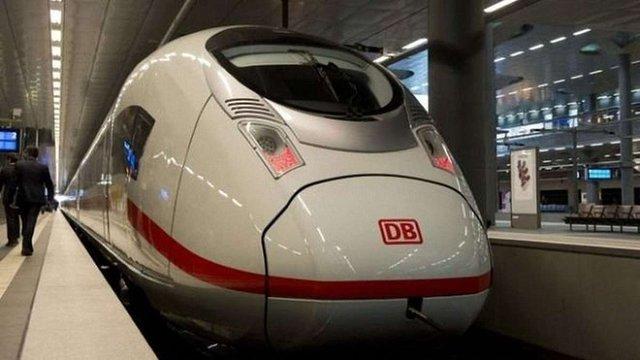 У Німеччині виник скандал через плани залізниці назвати потяг іменем Анни Франк