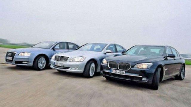 У Німеччині викрили корупційну схему постачання автомобілів до України