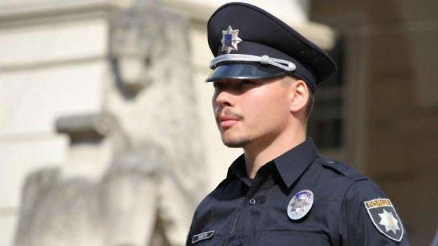 Шефа патрульної поліції Києва Юрія Зозулю облили в КМДА піною для гоління