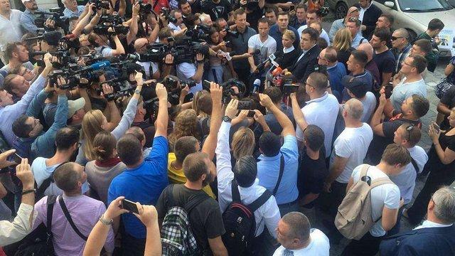 Суди оштрафували грузинських і українських журналістів за прорив кордону разом із Саакашвілі