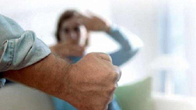 Близько 60% українських жінок потерпають від фізичного насильства