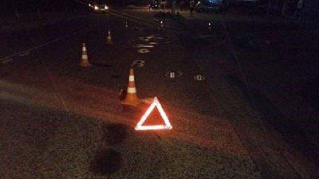 Поблизу міста Броди водій мопеда збив пішохода
