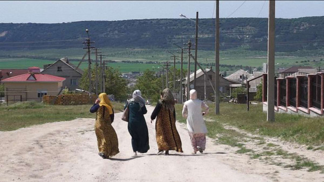 На адміністративній межі з Кримом росіяни затримали дружин кримських політв'язнів