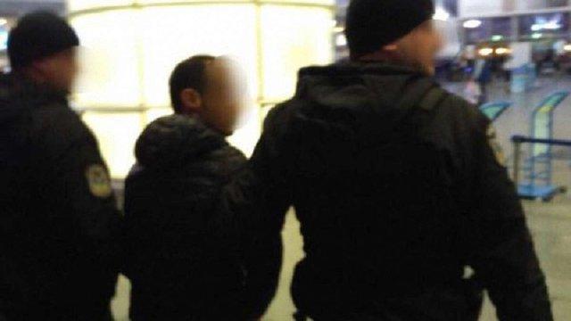 В «Борисполі» затримали азербайджанця, який переправляв українок у рабство в ОАЕ