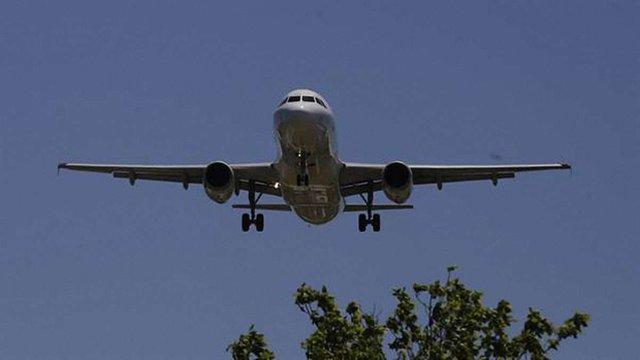 В аеропорту Аргентини безпілотник врізався в літак