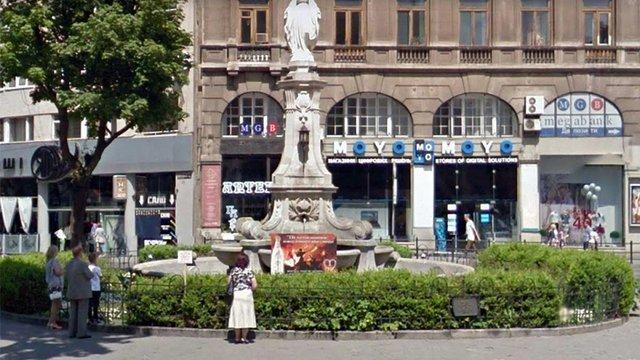 Поліція затримала чоловіка, який повідомив про замінування статуї Матері Божої у центрі Львова