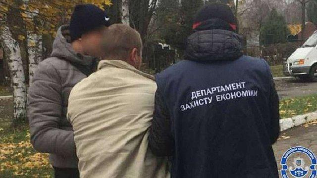 У Чернівцях депутата міськради від «Свободи» впіймали на хабарі