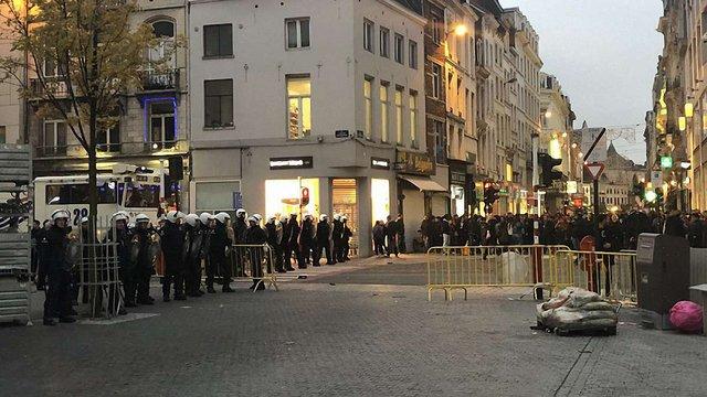У Брюсселі сталися масові сутички хуліганів і поліції