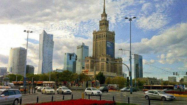 В уряді Польщі пропонують знести «сталінську висотку» у центрі Варшави
