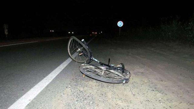 На Львівщині 22-річний водій BMW на смерть збив велосипедиста