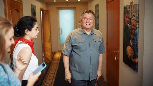 Арсен Аваков запросив журналістів до свого помешкання у готелі «Київ»