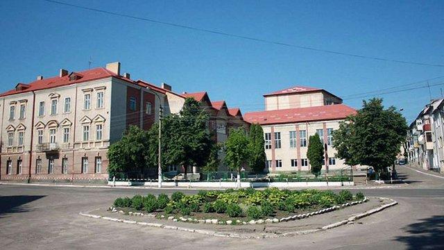 Золочівську міськраду через суд зобов'язали облаштувати біля кожної школи пішохідні переходи