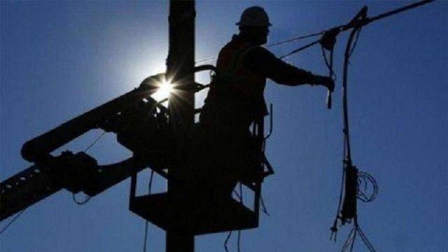 На Бродівщині через аварійне відключення 9 населених пунктів тимчасово без електропостачання
