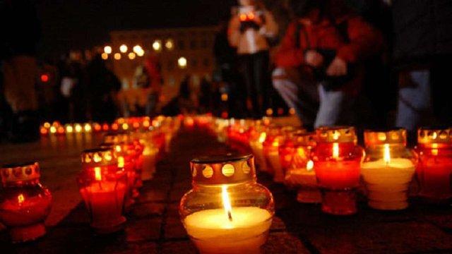 Найбільше українців, що вважають Голодомор геноцидом, мешкає у західних областях