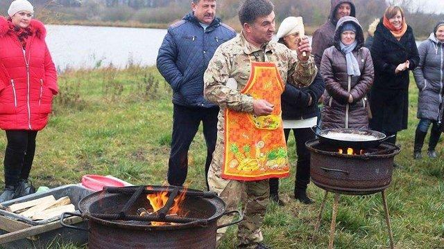На Волині встановили рекорд України з випікання сирників