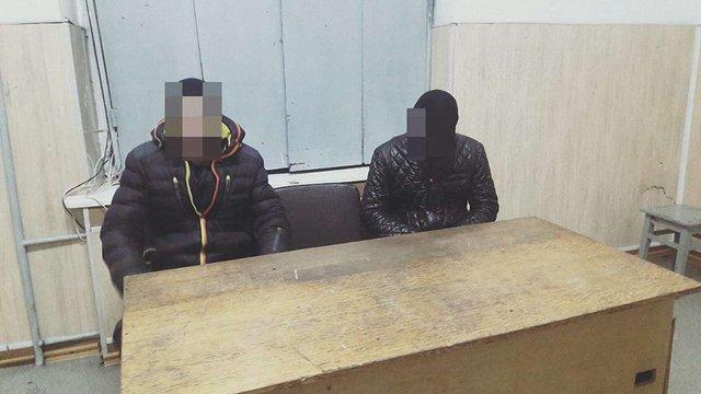 Завдяки камерам спостереження поліція знайшла двох львів'ян, які обікрали п'яного чоловіка