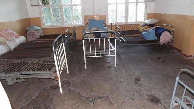 Головлікарку психлікарні на Сумщині звинуватили у тортурах пацієнтів