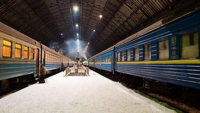 «Укрзалізниця» почала призначати додаткові поїзди до новорічно-різдвяних свят