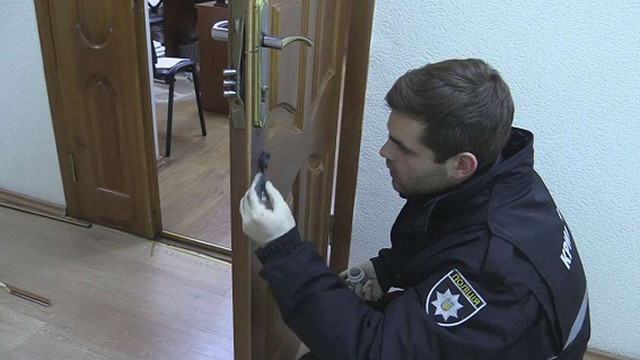 Озброєні злочинці вночі пограбували Університет ім. Грінченка у Києві