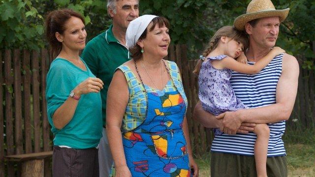 В Україні набирає обертів скандал довкола можливої заборони серіалу «Свати»