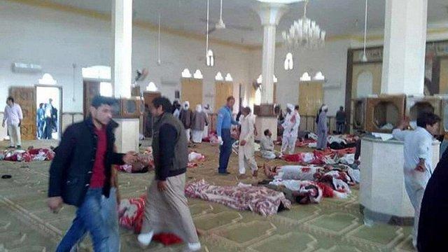Петро Порошенко висловив співчуття президенту Єгипту у зв'язку з терактом у мечеті