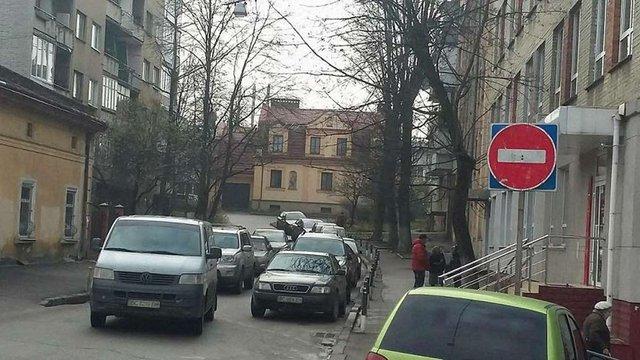 На вул. Черемшини у Львові запровадять двосторонній рух транспорту