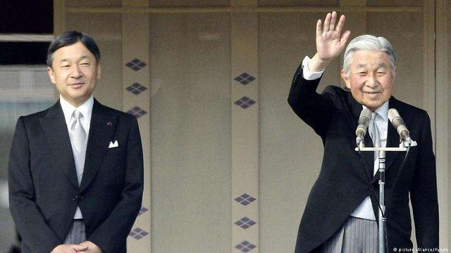 Влада Японії назвала дату зречення імператора Акіхіто від престолу