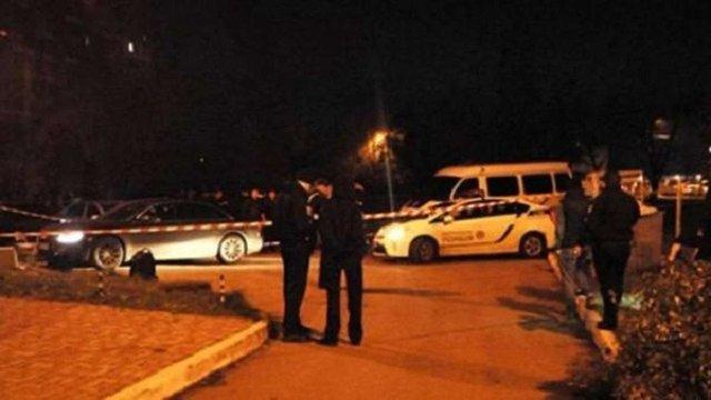 На Одещині п'яний чоловік вчинив стрілянину та взяв у заручники дружину і доньку