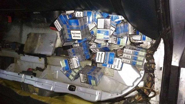 У Раві-Руській у чоловіка конфіскували автомобіль через контрабандні сигарети
