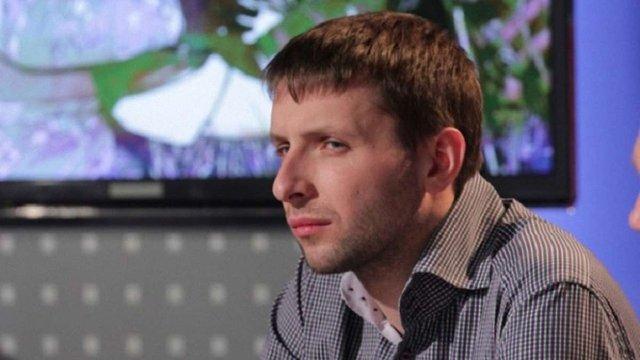 Володимир Парасюк вдарив поліцейського в суді в Маріуполі