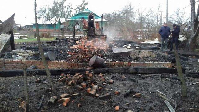 Під час пожежі у дерев'яному будинку на Львівщині згорів 31-річний чоловік