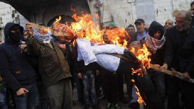 На Західному березі Йордану почалися сутички між палестинцями та ізраїльськими військовими