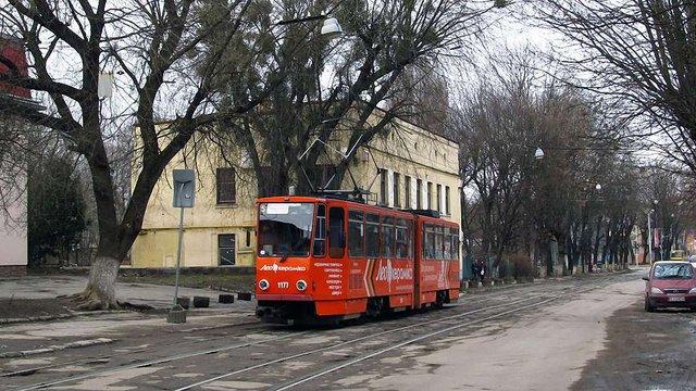 Через аварійний стан колії вул. Замарстинівську закриють для руху трамваїв