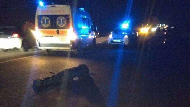 Біля Червонограда водій автомобіля ВАЗ на смерть збив пішохода